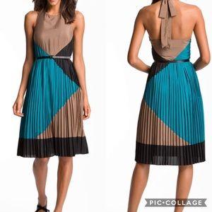 NWOT Vince Camuto Halter Color Block Pleated Dress